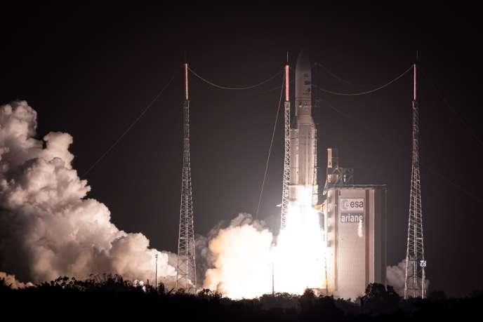 Une fusée Ariane 5 est lancée depuis Kourou en Guyane, le 26 novembre.