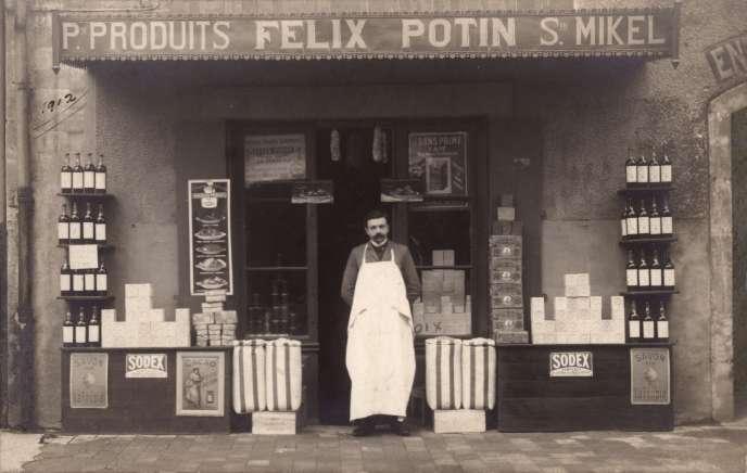 «En 1924, l'empire Potin compte dix usines, cinq chais, 600 concessionnaires, 70 succursales, 5 000 clients épiciers, 650 chevaux et 80 automobiles.»