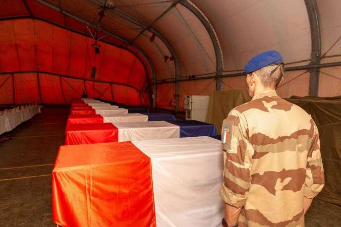 A Gao (Mali), le 27 novembre 2019, deux jours après la collision entre deux hélicoptères de l'armée français qui a coûté la vie à 13 militaires de l'opération « Barkhane».