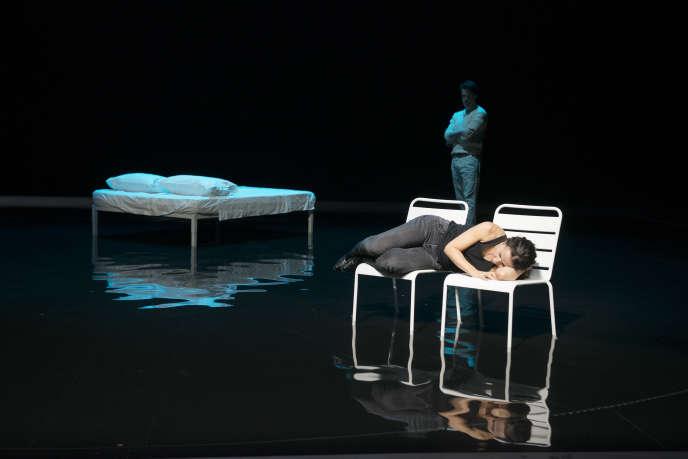 «Nous pour un moment», de Arne Lygre, sur une mise en scène de Stéphane Braunschweig, auxAteliers Berthiers de l'Odéon, à Paris.