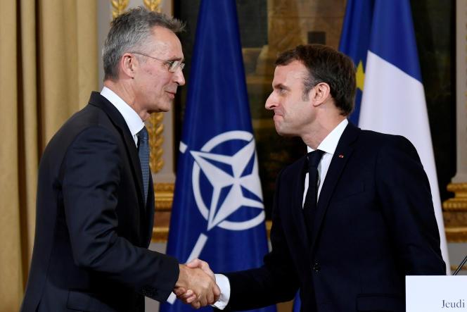Rencontre entre le secrétaire général de l'OTAN, Jens Stoltenberg, et Emmanuel Macron, au palais de l'Elysée à Paris, le 28 novembre.