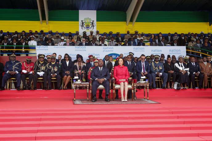 Le président gabonais, Ali Bongo, et son épouse, Sylvia, lors de la fête de l'indépendance, à Libreville, le 17août 2019.