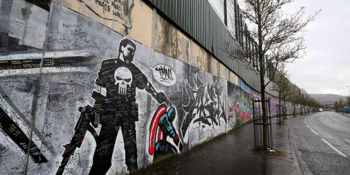 Attaque à la grenade d'une voiture de police à Belfast