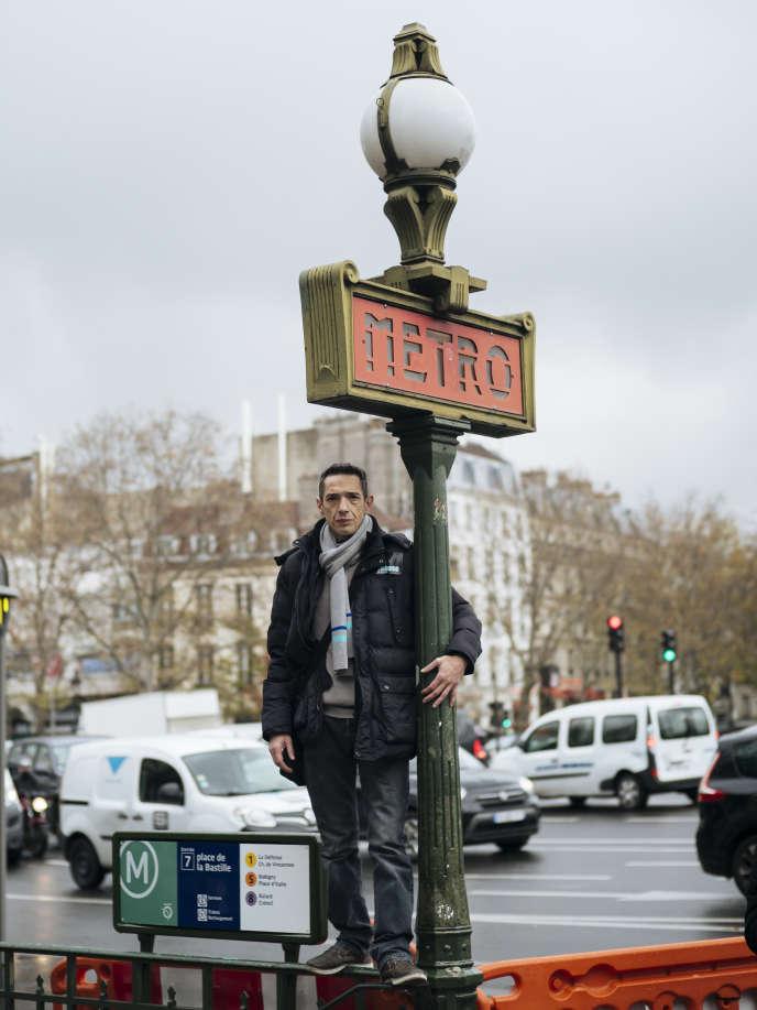 Fabrice Nunez, 47 ans, conducteur de metro RATP (ligne 5), place de la Bastille à Paris.