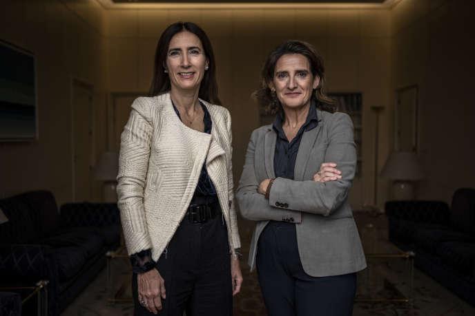 Carolina Schmidt, ministre de l'environnement du Chili, et Teresa Ribera, son homologue, le 28 novembre à Madrid.
