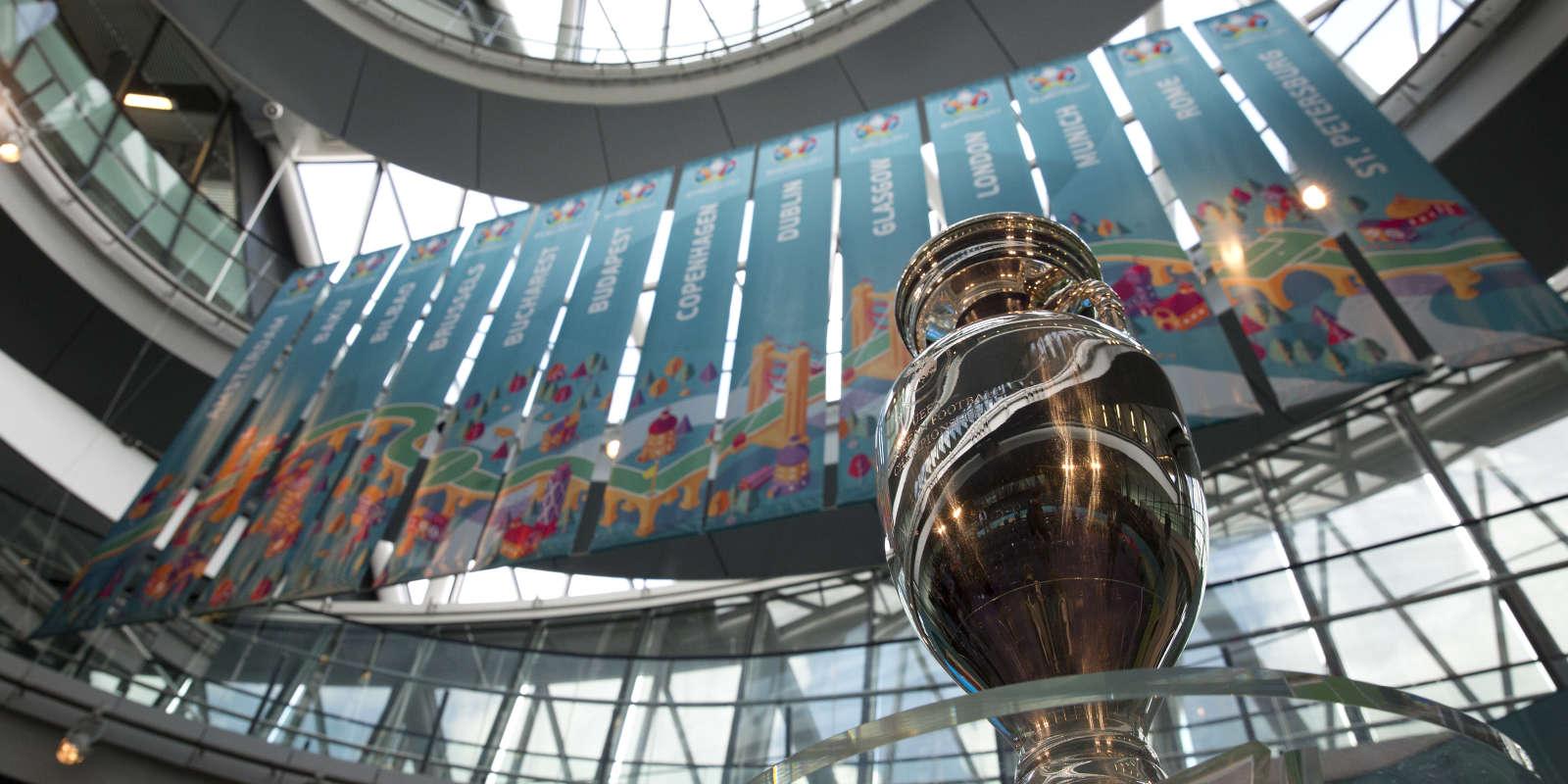 L'Euro de football débutera le 12 juin 2020 et se déroulera dans douze pays hôtes.