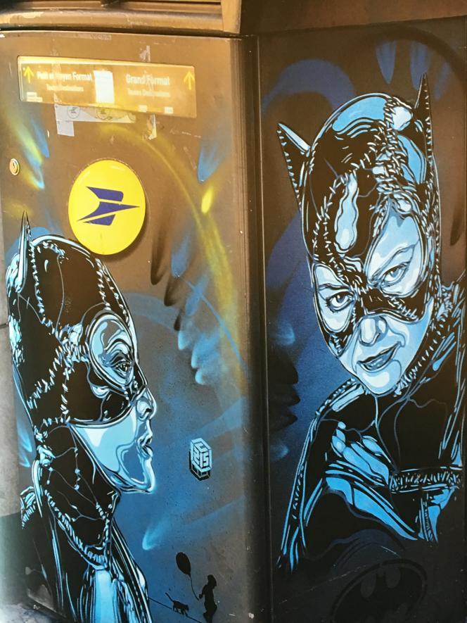 Catwoman dans une rue de Vincennes, 2016 (« C215 #christianguemy- L'art du pochoir»).