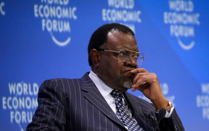 Hage Geingob, ici au Cap, en Afrique du Sud, le 5septembre, a été réélu pour un deuxième mandat présidentiel à la tête de la Namibie, selon les résultats publiés samedi 30novembre.