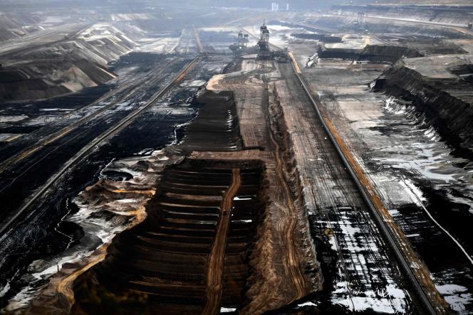 Une mine à ciel ouvert du géant de l'énergie RWE à Jüchen, dans l'ouest de l'Allemagne, le 28 novembre.