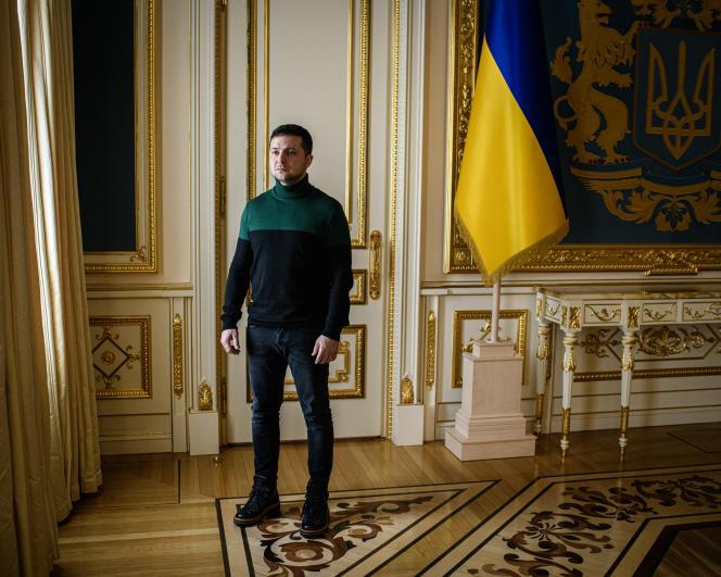 Le président ukrainien, Volodymyr Zelensky, dans les bureaux de l'administration présidentielle à Kiev, le 30 novembre.