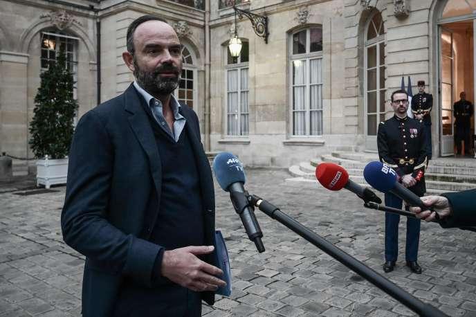 Edouard Philippe à son arrivée à Matignon, où se tient un séminaire gouvernemental consacré à la réforme des retraites, le 1er décembre.
