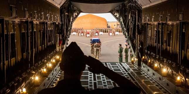 Militaires tués au Mali: «Charlie Hebdo» se dit «conscient de l'importance du travail effectué par les soldats»