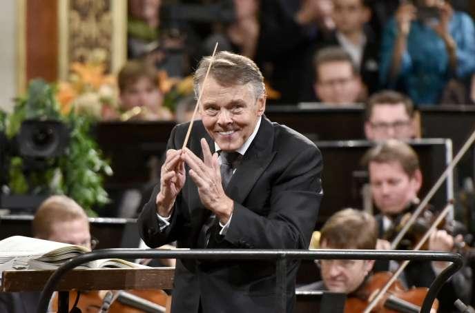 Le chef d'orchestre Mariss Jansons dirigeant l'Orchestre philharmonique de Vienne, en janvier 2016.