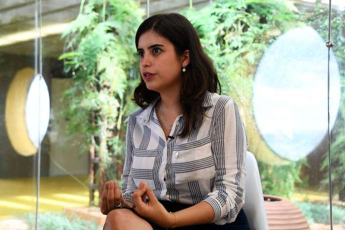 La députée Tabata Amaral lors d'une interview au Congrès brésilien, le 17 avril 2017.