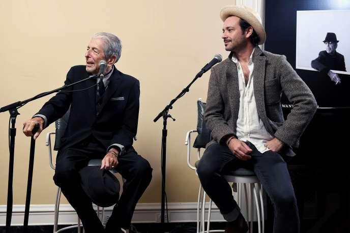 Leonard et Adam Cohen lors de la promotion de l'album «You Want It Darker» en 2016.