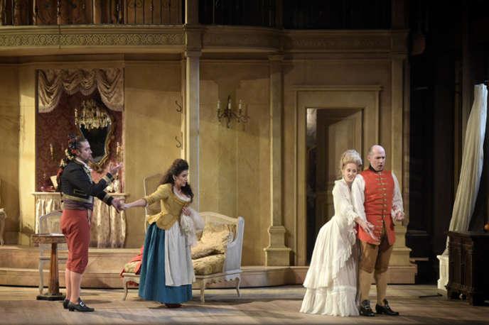 « Les Noces de Figaro», de Mozart, dans une nouvelle mise en scène signée James Gray au Théâtre des Champs-Elysées, à Paris.