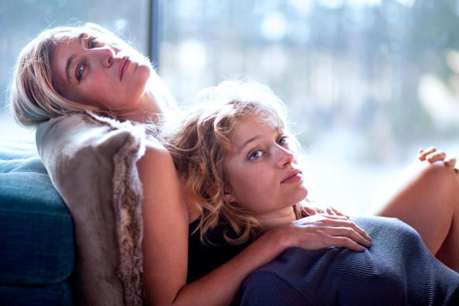 Valeria Bruni Tedeschi (Evelyne) etNadia Tereszkiewicz (Marion) dans«Seules les bêtes», de Dominik Moll.