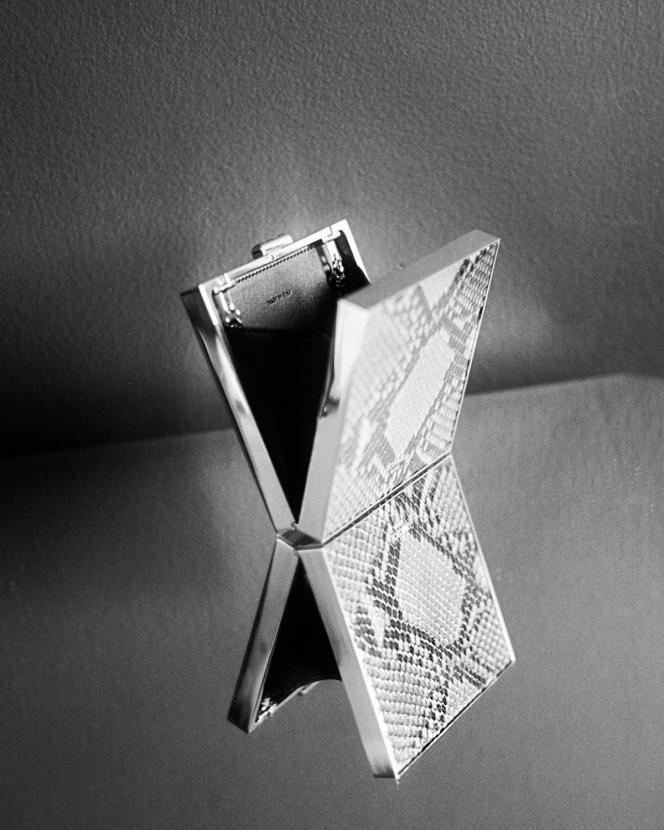 Minaudière carrée en python, Celine par Hedi Slimane, prix sur demande.