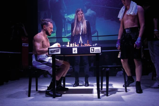 Le 9 novembre, Thomas Cazeneuve (à g.) affrontait le Kosovar Khemshid « Jim » Vogliqi au Cabaret Sauvage, Paris.