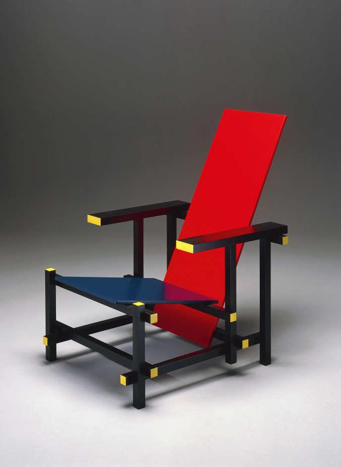 « Fauteuil bleu et rouge », de Gerrit Thomas Rietveld (1918), usage exemplaire de la couleur dans le modernisme.