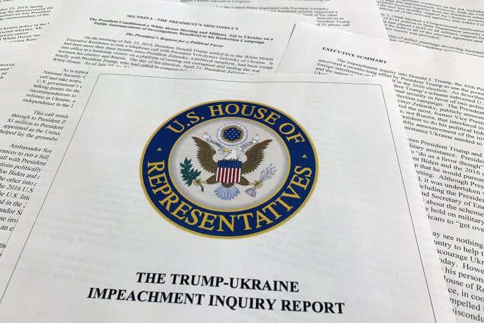 Une copie du rapport de la commission du renseignement de la Chambre des représentants, à Washington, le 3 décembre.