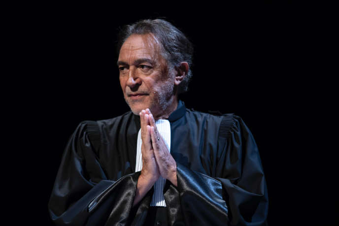 Richard Berryincarne des avocats célèbres dans« Plaidoiries», en tournée