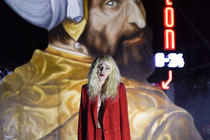 Jeanne Balibar dans la pièce « Bajazet, en considérant 'Le Théâtre et la peste' ».