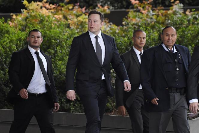 Le patron de Tesla, Elon Musk, à son arrivée au tribunal de Los Angeles, le 4 décembre.