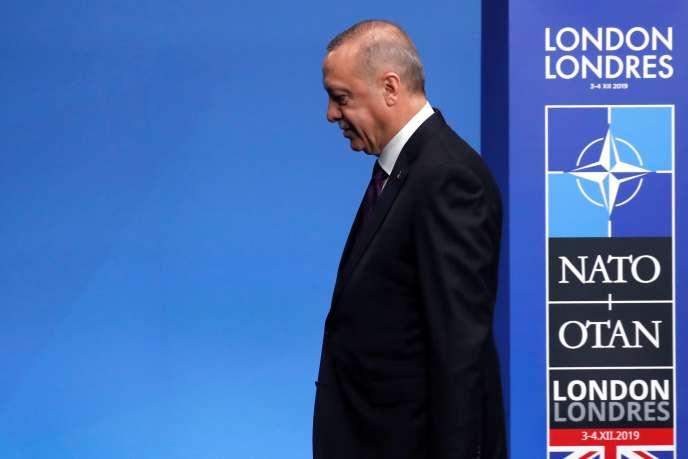 Le président tuc Recep Tayyip Erdogan, le 4 décembre àWatford, près de Londres.