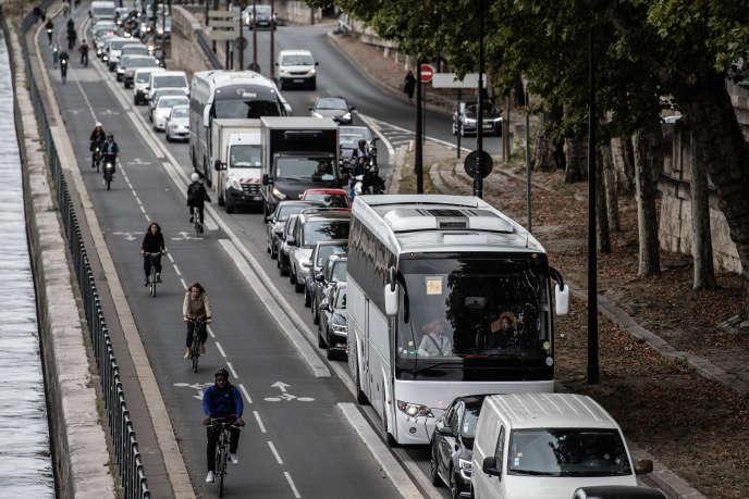 Piste cyclable le long de la Seine pendant une grève des transports à Paris, le 13 septembre.