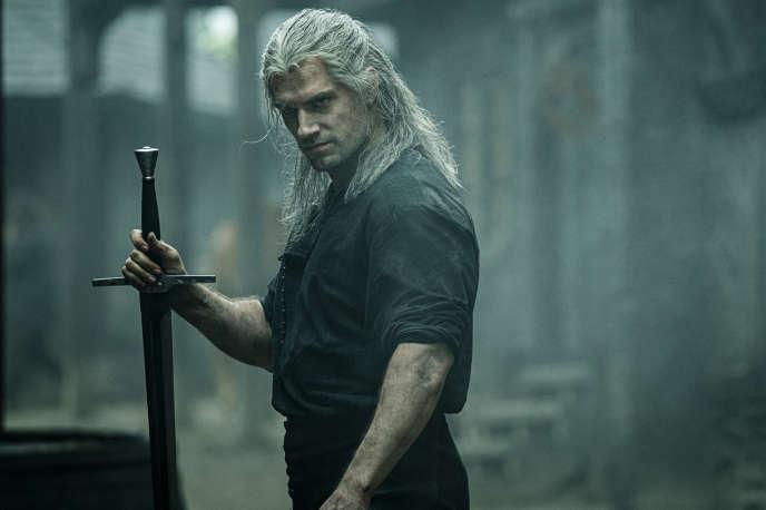 Henry Cavill, qu'on connaissait notamment comme Superman,incarne Geralt de Riv dans«The Witcher» (dont la saison 1 est sortie sur Netflix le 21 décembre).