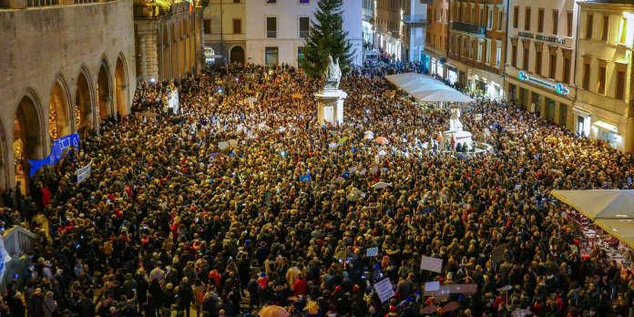 En Italie, les « sardines » s'en prennent à Matteo Salvini