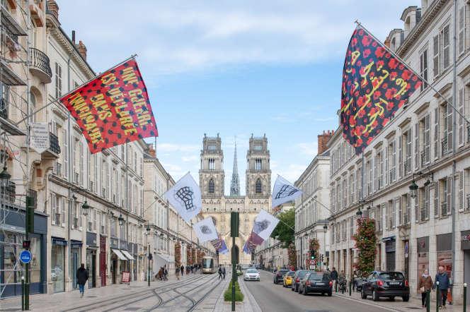 Vue de l'installation de MTL Collective, rue Jeanne-d'Arc à Orléans, dans le cadre de la 2e Biennale d'architecture.