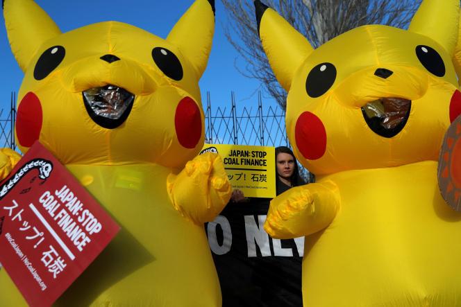 Des manifestants à la COP25 à Madrid demandent au Japon l'arrêt du financement de centrales à charbon, jeudi 5 décembre.