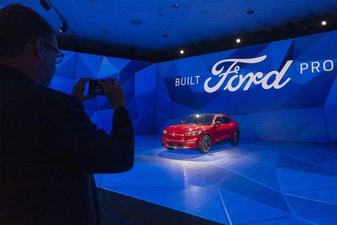 La Ford Mustang Mach-E au Salon automobile de Los Angeles (Californie), le 21 novembre.