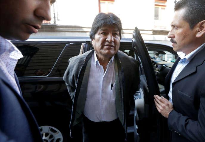 Evo Morales se rend à une conférence de presse à Mexico, le 27 novembre.