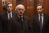 La transformation physique de Robert De Niro en fait un sosie assez confondant du vrai Bernard Madoff.