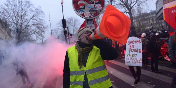 Grève du 5 décembre : éditions spéciales et obsession de la sécurité, la journée des chaînes d'info