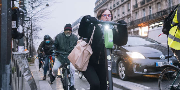 Grève du 5 décembre : le « système D » des usagers des transports parisiens