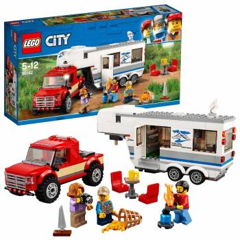 Une construction plus grande et un exercice plus long Le pick-up et sa caravane Lego City