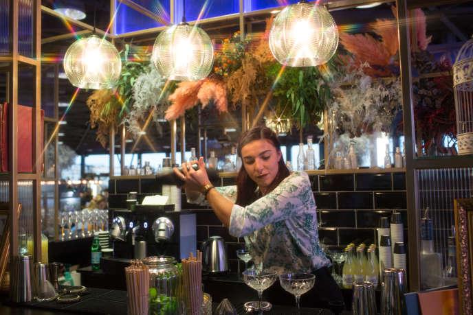Déborah Salvetti au Salon international du marché du voyage de luxe, à Cannes, le 4 décembre.