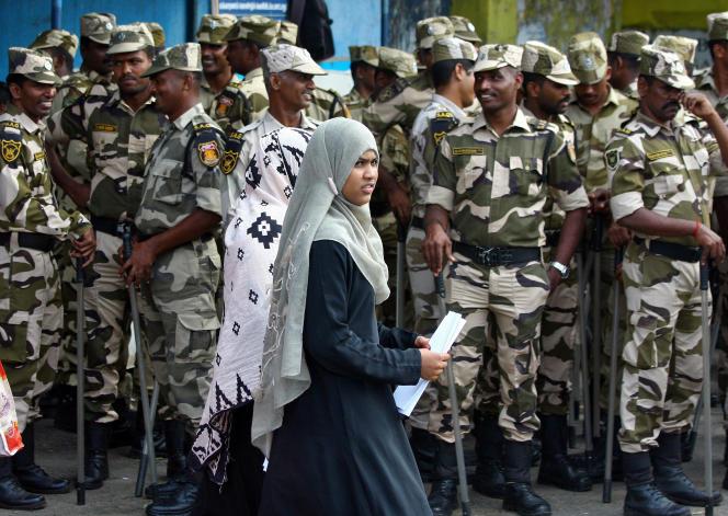 A Ayodhya, le 21 novembre, après la décision de la Cour suprême d'autoriser la construction d'un temple hindou à la place d'une mosquée détruite en 1992.