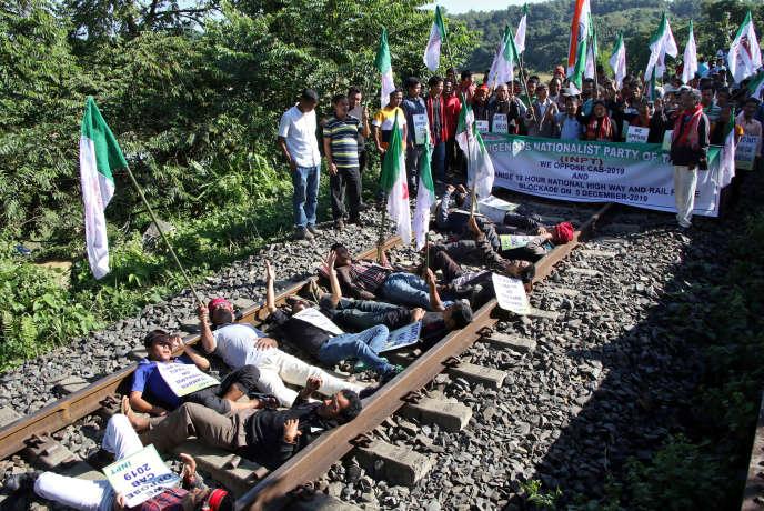 Lors d'une manifestation contre la réforme de la loisur la nationalité,près d'Agartala, le 5 décembre.