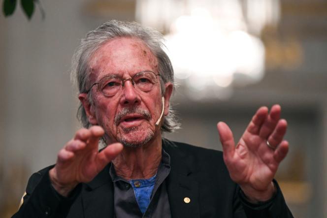 L'écrivain autrichien Peter Handke, Prix Nobel de littérature, à Stockholm, le 6 décembre.