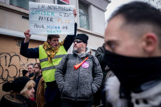 Au départ de la manifestation parisienne, sur le boulevard Magenta.