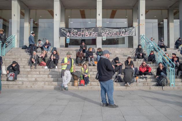 A Brest, la mobilisation se poursuit.