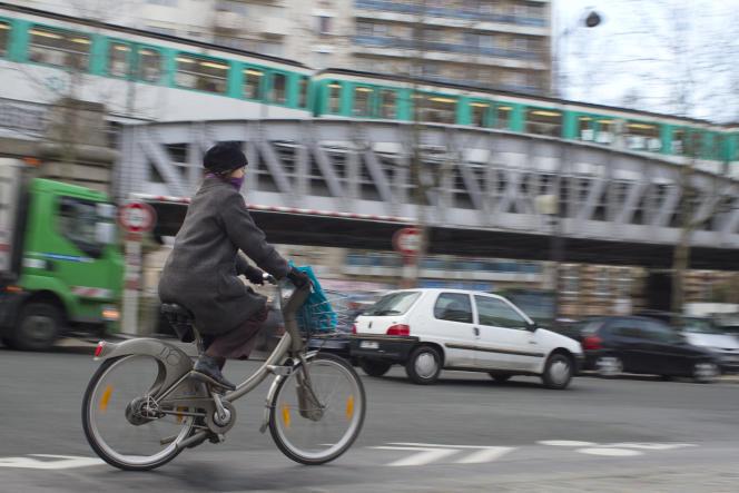 A Paris, la fréquentation de tous les modes publics, métro, bus, RER, train, tramway, continue de progresser.