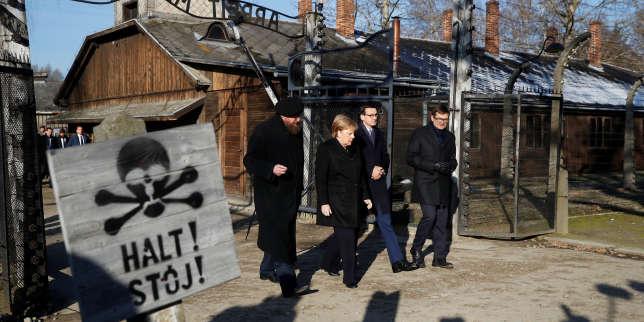 Angela Merkel en déplacement àAuschwitz, une première
