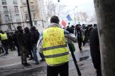 Pendant la manifestation des « gilets jaunes», avenue du Maine à Paris, le 7 décembre