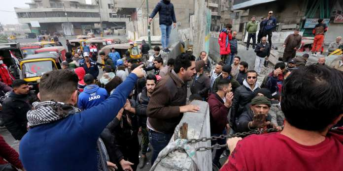 Malgré une tuerie à Bagdad, des milliers d'Irakiens restent mobilisés dans la rue